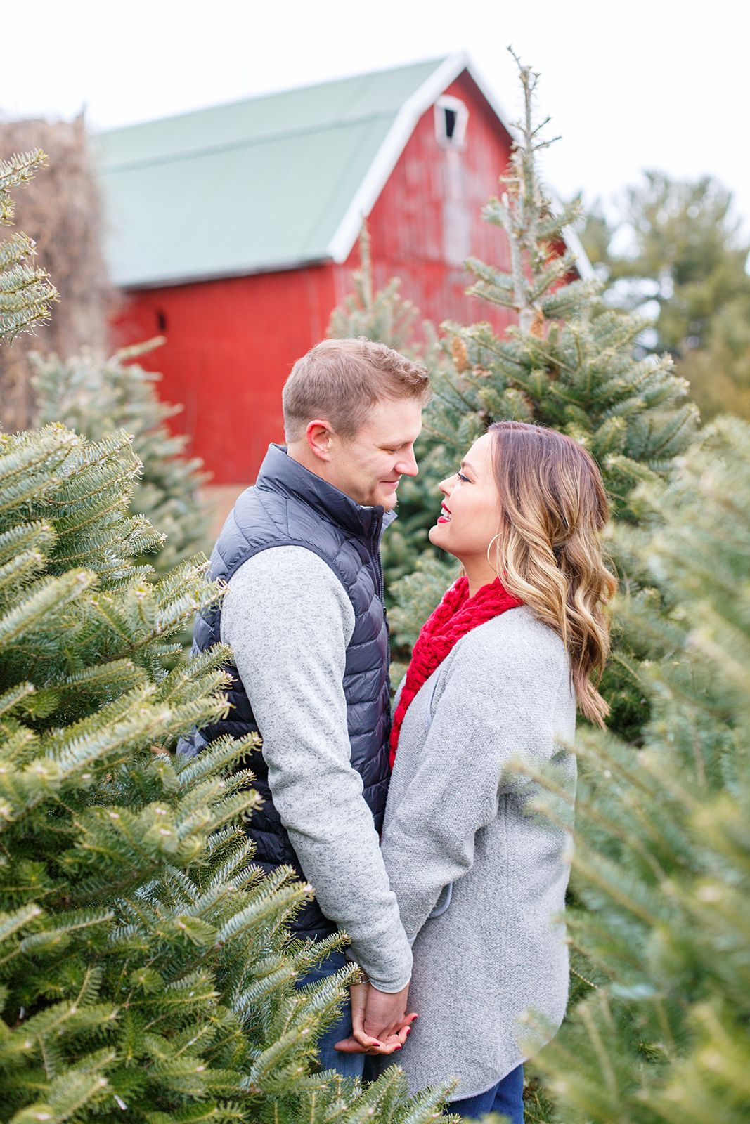 Dressing For A Tree Farm Couples Photo Shoot Outfit Inspo Kelsie Kristine Holiday Photoshoot Couples Photoshoot Tree Farm Photo Shoot