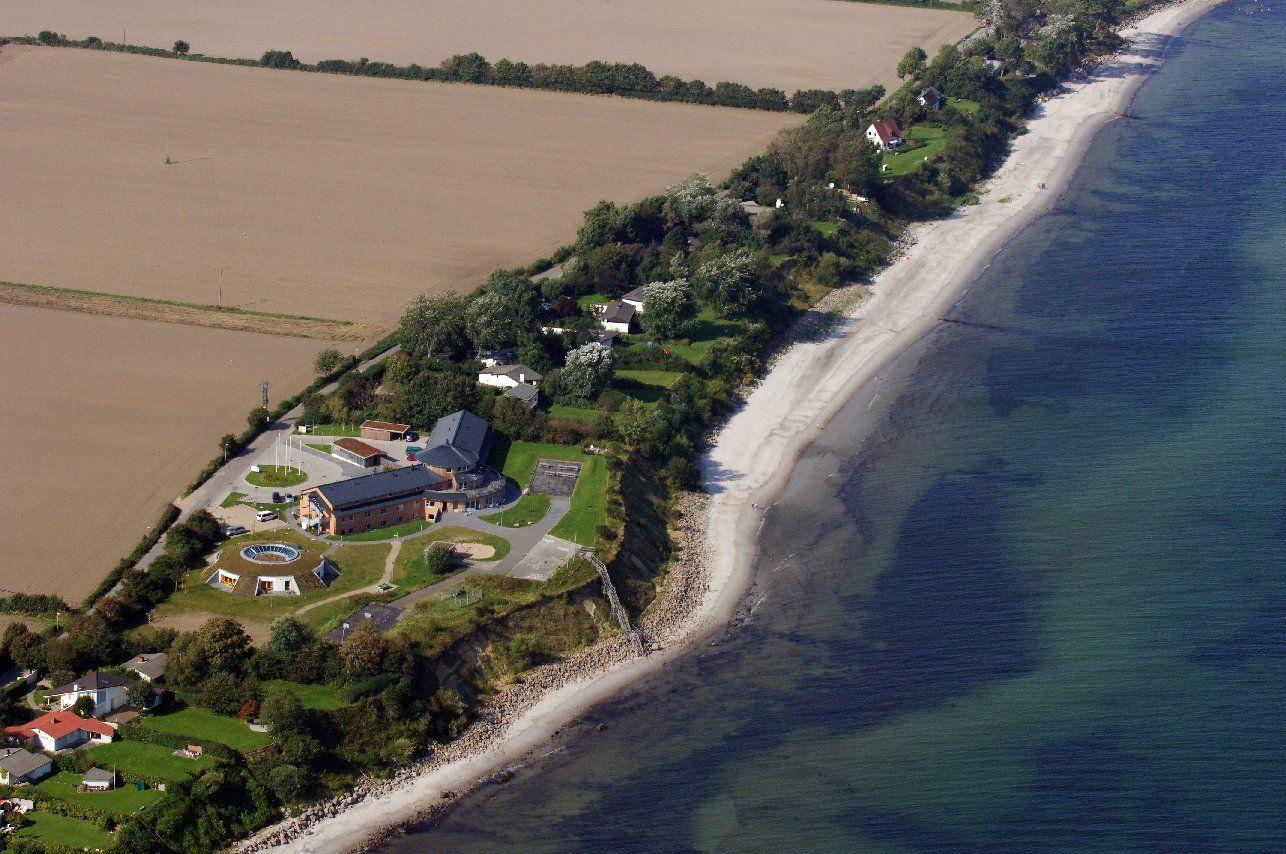 Jugendherberge Dahme an der Ostsee mit Treppe zum Strand jugendherberge