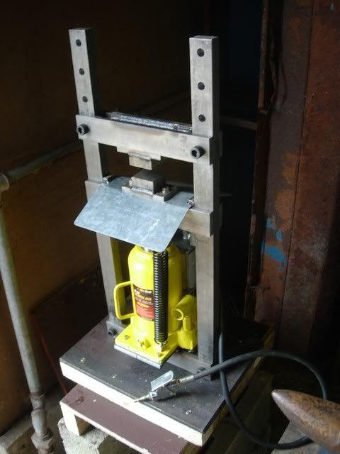 my latest project mini hydraulic press bricolage pinterest presse hydraulique. Black Bedroom Furniture Sets. Home Design Ideas