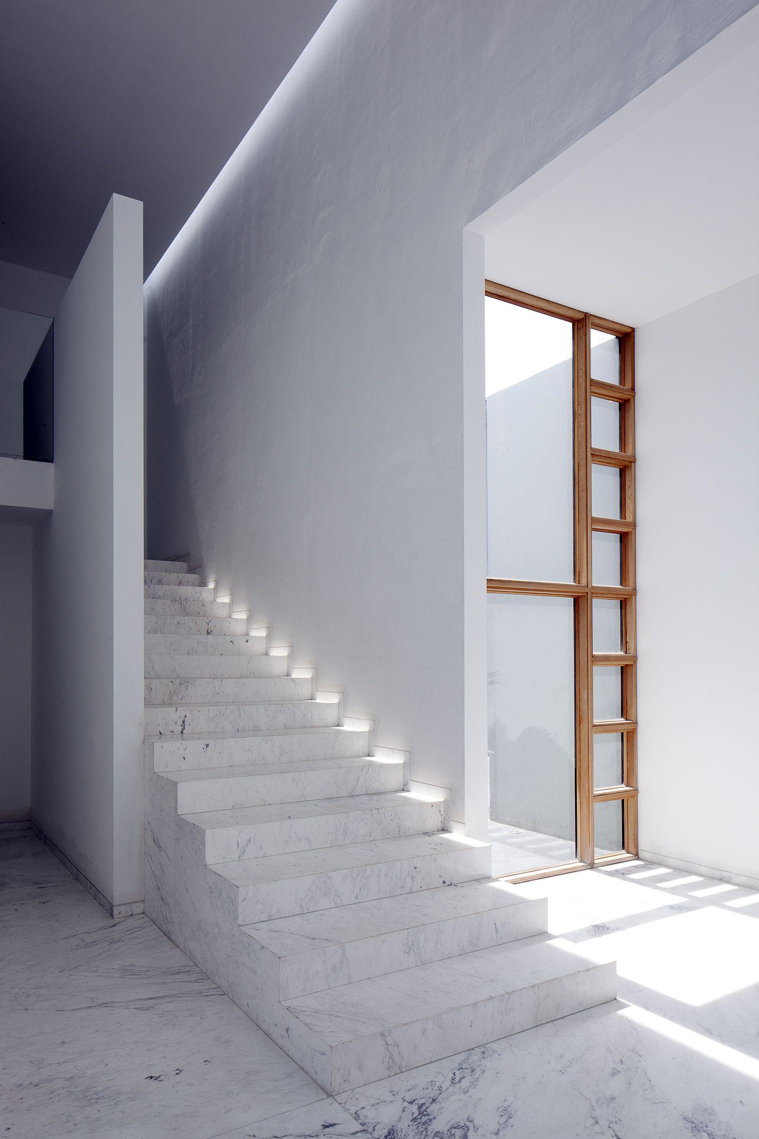 Best Casa Ar Stair Entry Minimal Contrast 400 x 300