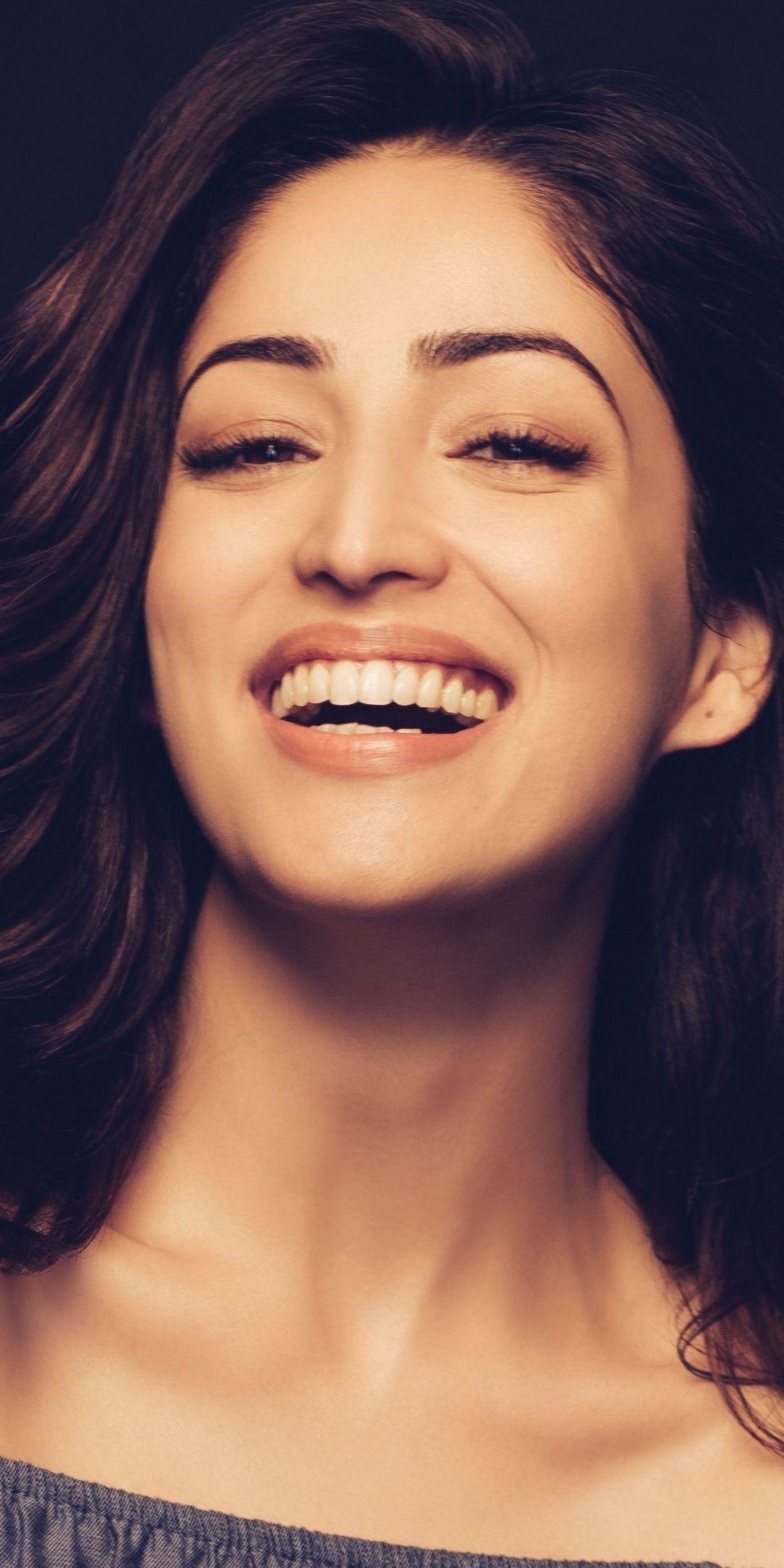Yami Gautam Actress Bollywood Smile 1080x2160 Wallpaper