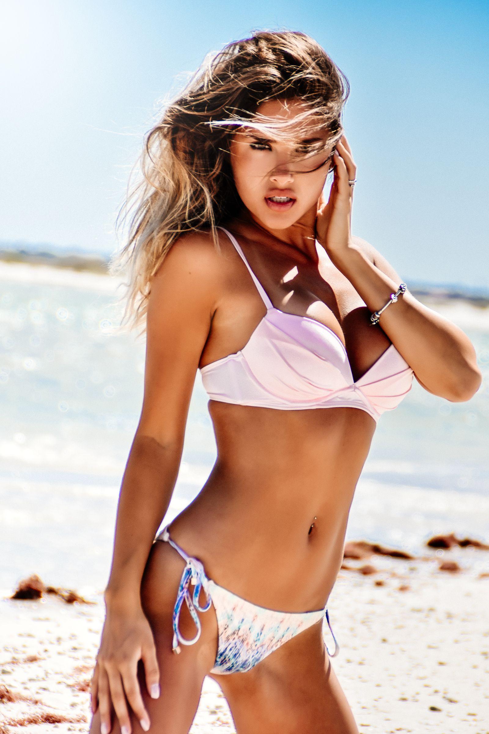 Bikini Carmel Anderson nude (36 photos), Topless, Cleavage, Selfie, swimsuit 2006