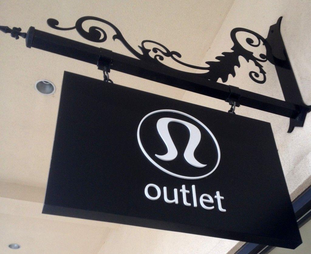 Lululemon Outlet // the best deals in town | allislovely.com
