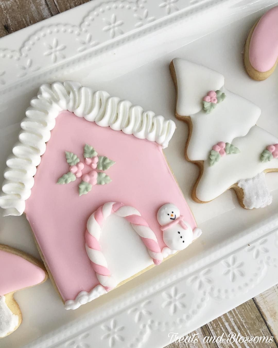 More Pretty Pink Christmas Cookies To Give You Inspiration Pink