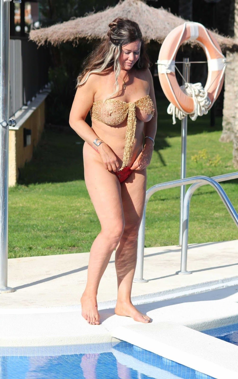 The hottest lisa appleton photos from the beach