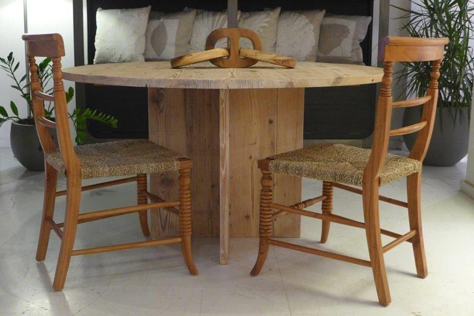MARABIERTO - silla Sussex, mesa de comedor Milo, adorno Cadena ...