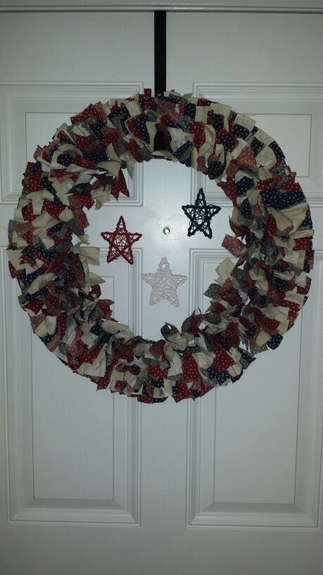 4th of july rag wreath with wicker hanging stars | rag wreaths ...