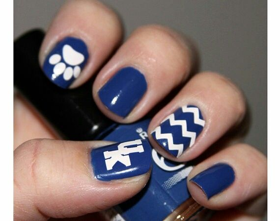 Uk Wildcats Logo And Paw Nail Art With Chevron Design Stickers