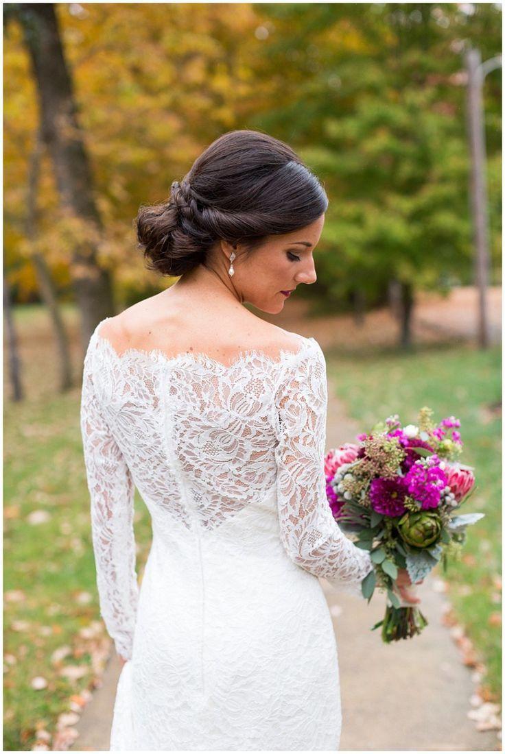 classic bride, bridal, rainy fall wedding in louisville