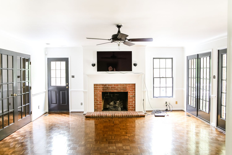 Living Room Makeover - High Contrast Paint #swisscoffeebenjaminmoore