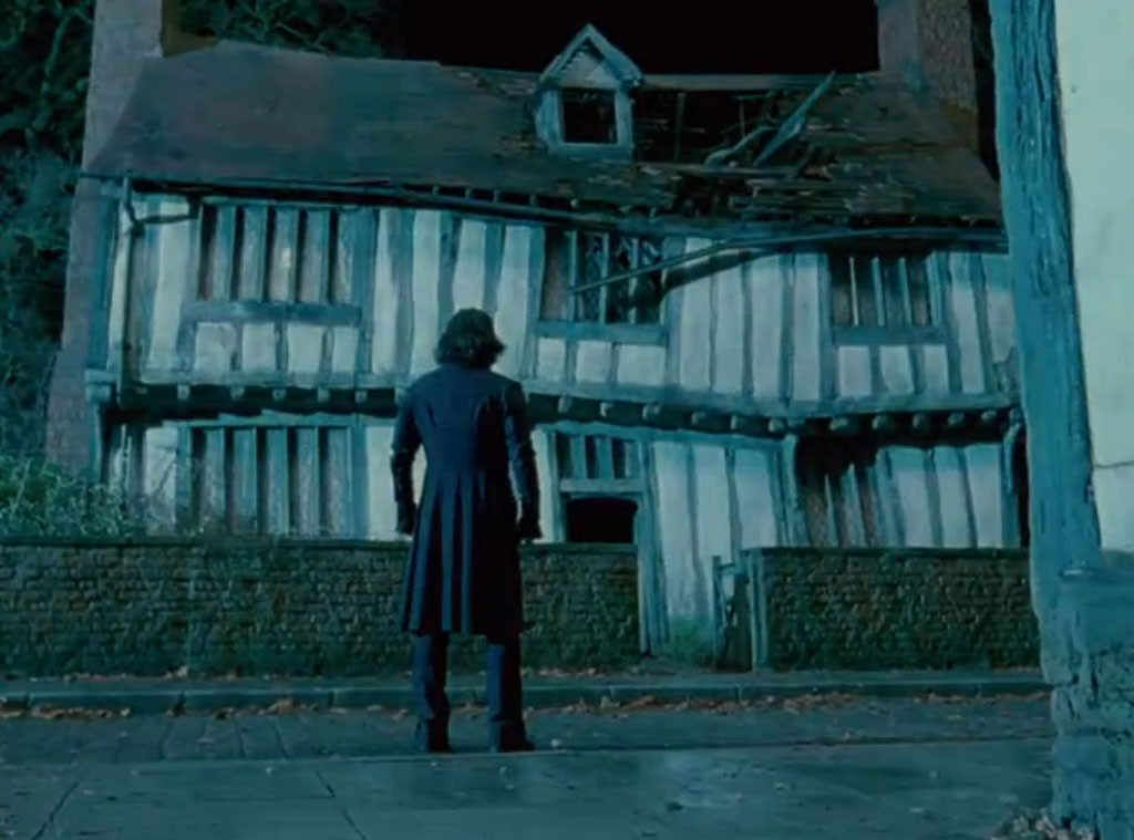 Harry E Hermione Godric S Hollow Harry E Hermione Harry Potter Hermione Harry Potter