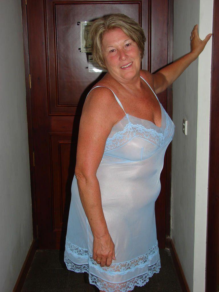 1d57a3763 Nylon Slip Vintage Nightgown, Night Gown, Du Wirst Oma, Vintage Underwear,  Women