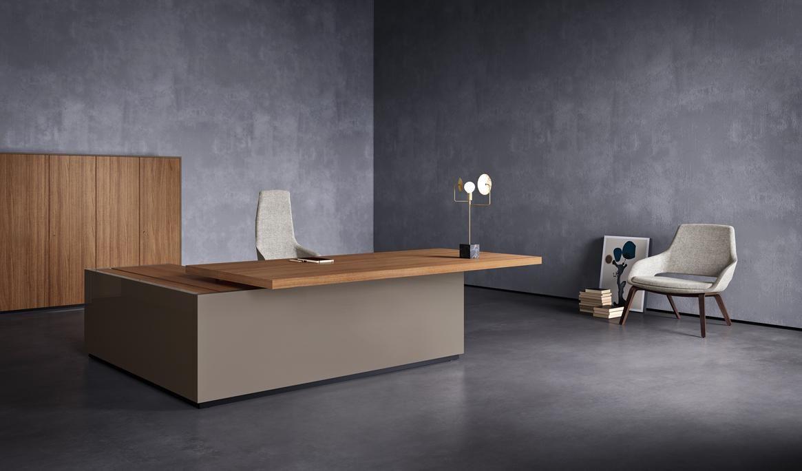bureau de direction italien de luxe
