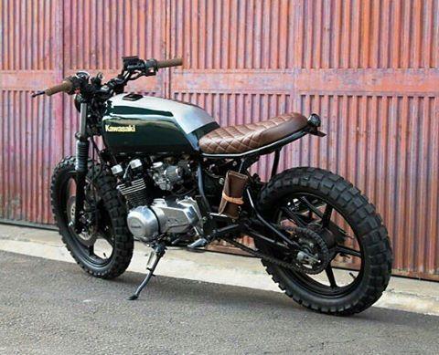 by @bullittgarage #kawasaki #z500 #custom #bike #motorcycle #bratstyle…
