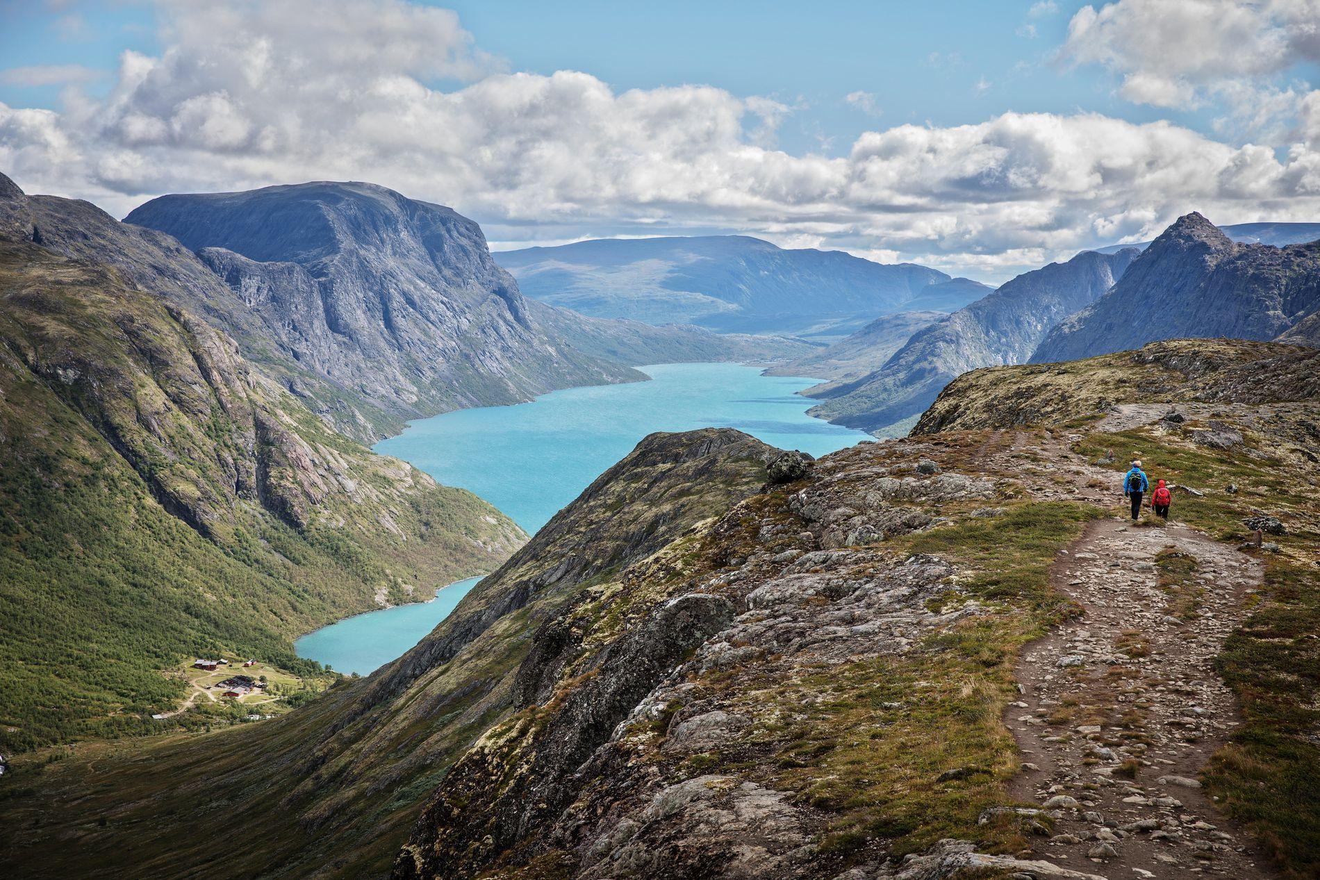 Skal Du Pa Tur Til De Mest Ikoniske Norske Fjellene I Juli Eller