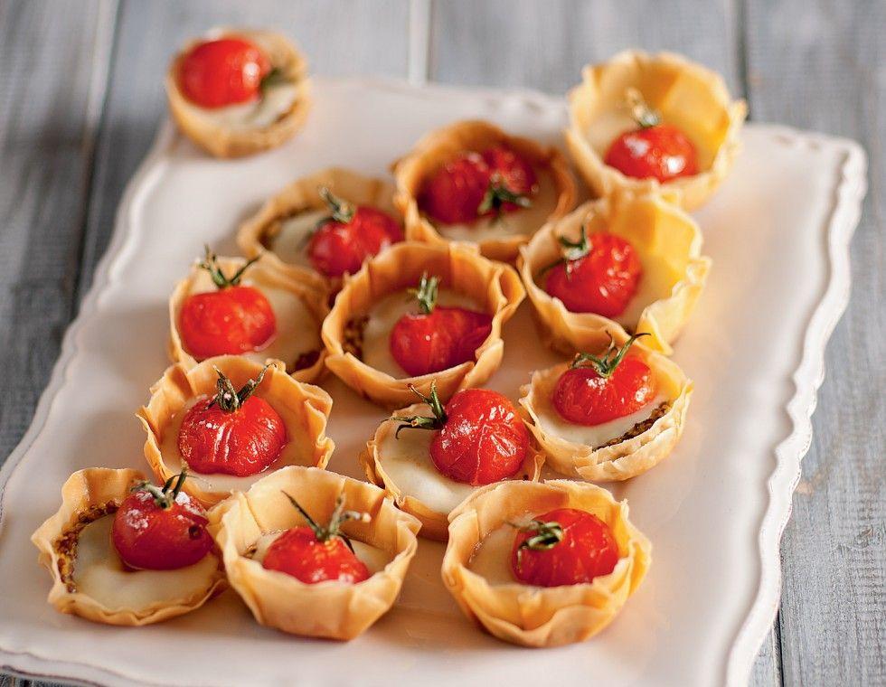 Tartelette con pomodorini canditi al rosmarino