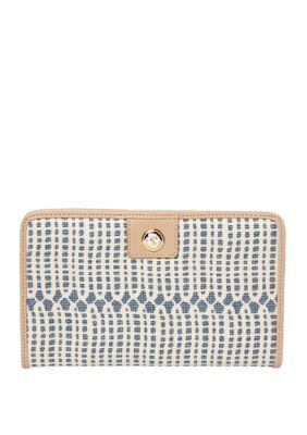 Spartina 449 Songbird Snap Wallet. Cards, cards, so many cards and not enough places to put them! Need help? With 15 card slots, this wallet from spartina 449 is a snap!