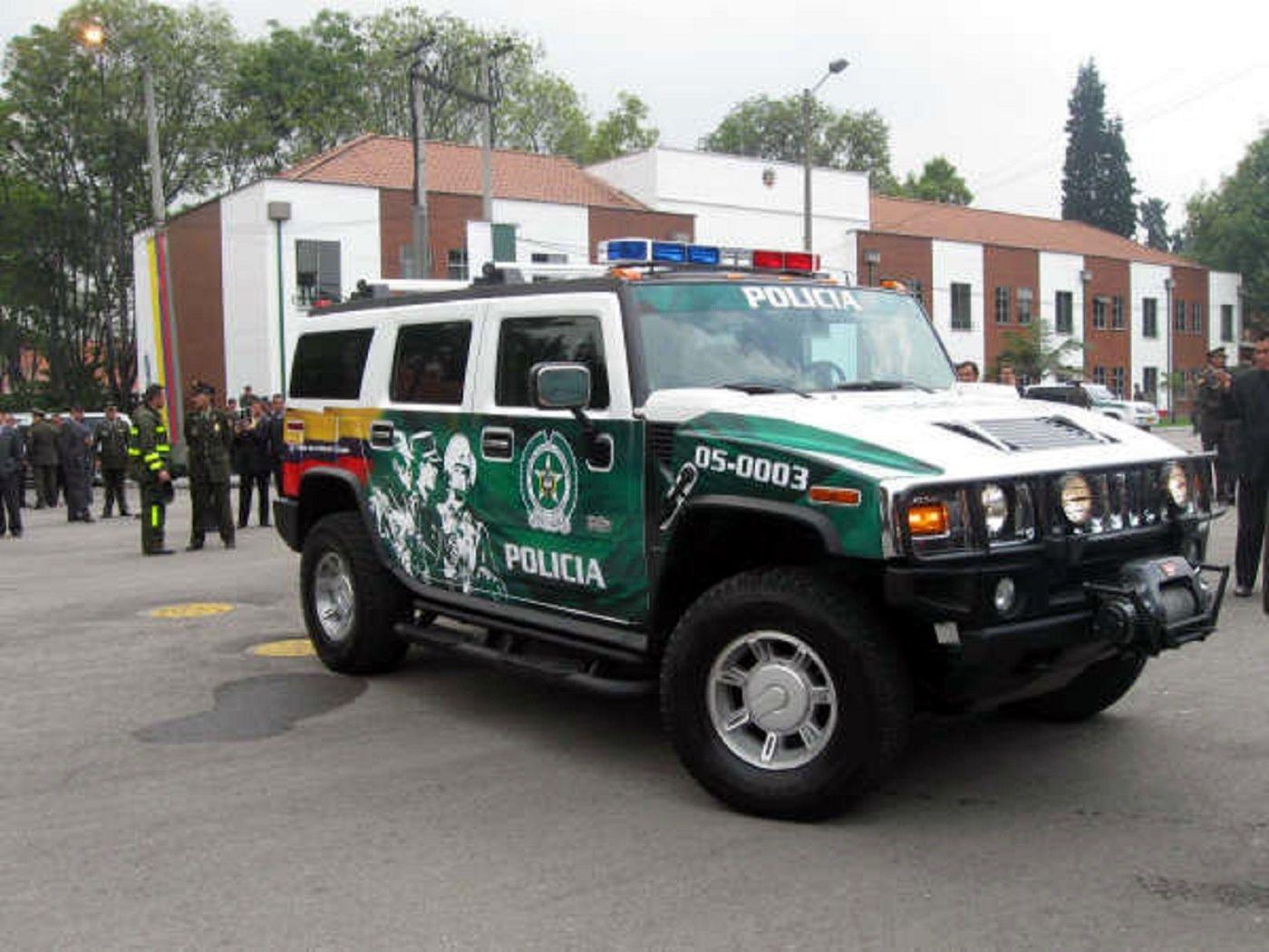 Policía Nacional de Colombia.   http://policianacionaldecolombia.blogspot.com.br/2009/06/policia-nacional-de-colombia-dios-y.html
