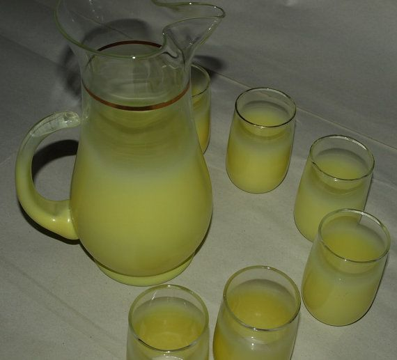 Vintage Sunny Yellow Blendo Juice Pitcher and by VintageOmnibus