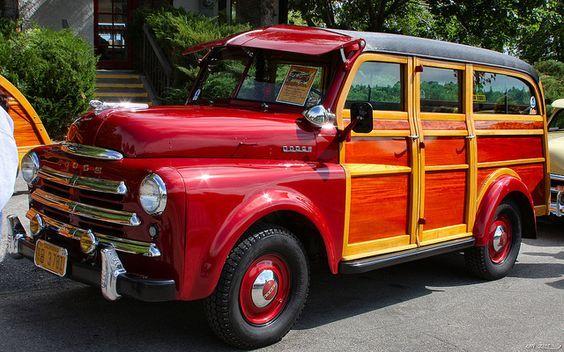 1949 Dodge Suburban, red.: