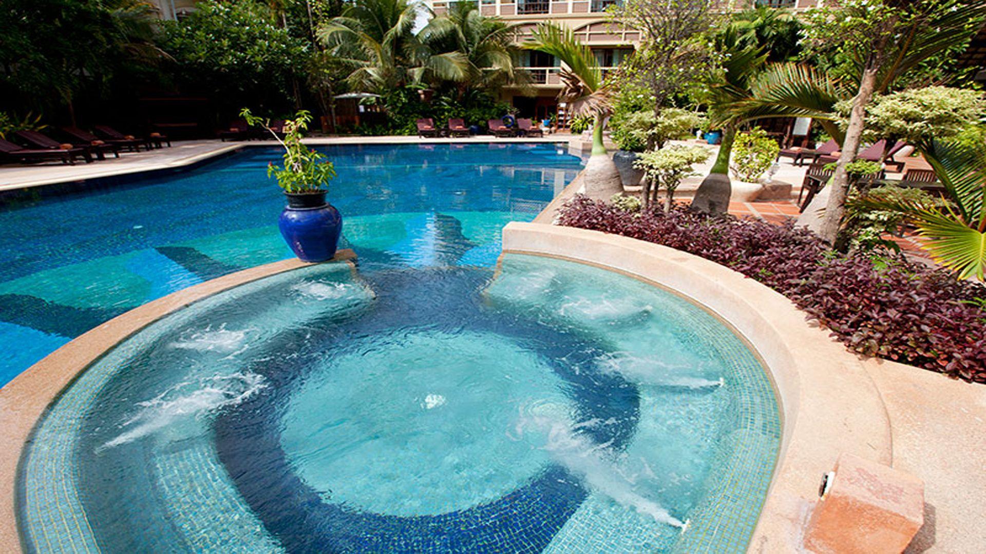 Prince d 39 angkor hotel spa saltwater swimming pool - Hotels with saltwater swimming pools ...