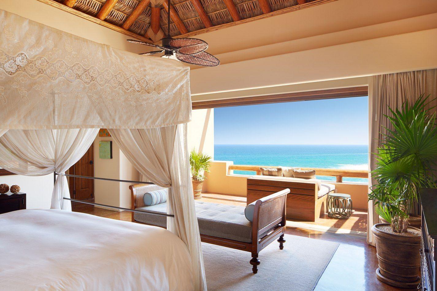 First In Service : Wonderwall - Esperanza Resort