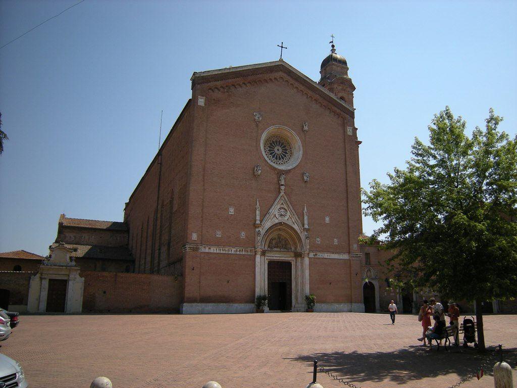 La Basilica di San Francesco - Foto di Pablo Garcia su Flickr - https://www.flickr.com/photos/argentalico/16255743882/ - #Siena #Toscana #BasilicaDiSanFrancesco