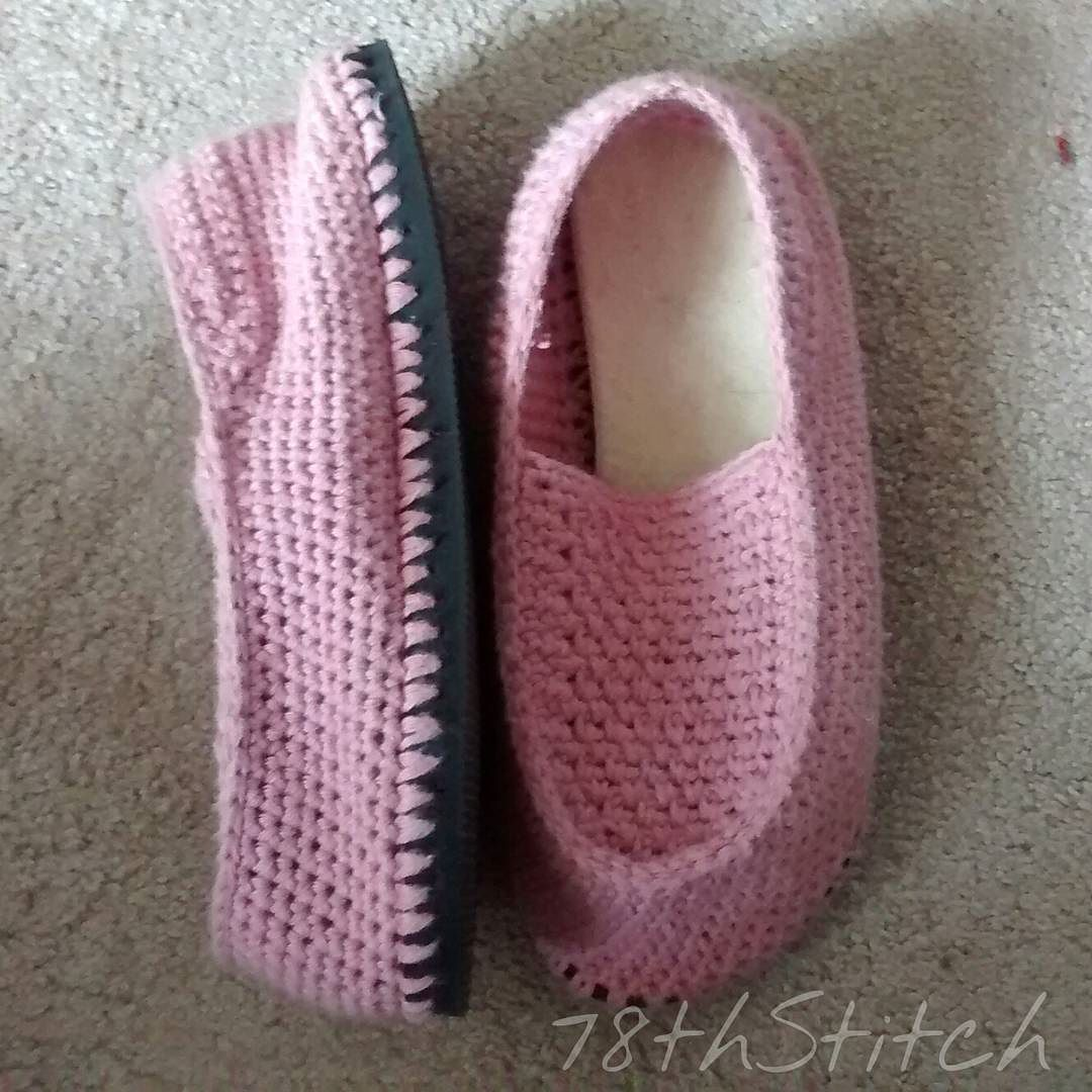 My new slippers! Based on a tutorial by Jess from @makeanddocrew ...