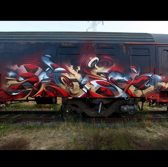 Does LoveLetters.. . #graffiti