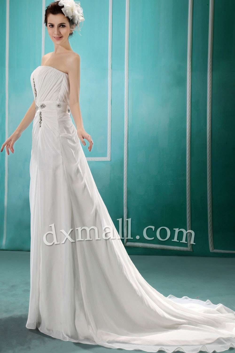 Sheath/Column Wedding Dresses Strapless Chapel Train Taffeta Chiffon ...