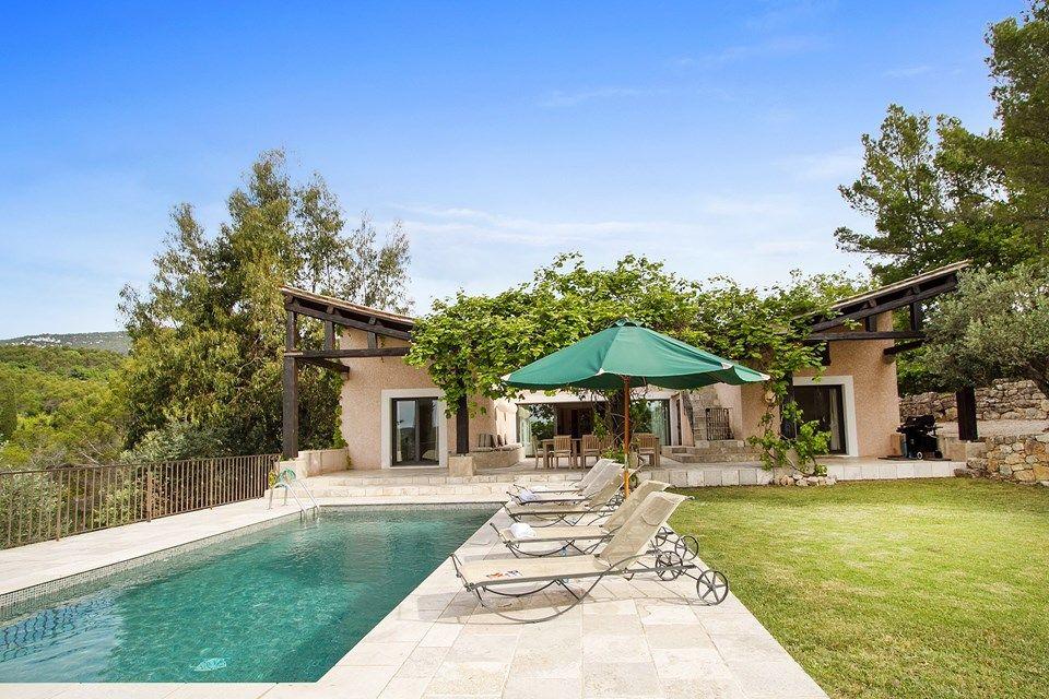 Provence Côte du0027Azur Südfrankreich Ferienhaus mit Pool in Seil - gartengestaltung reihenhaus pool