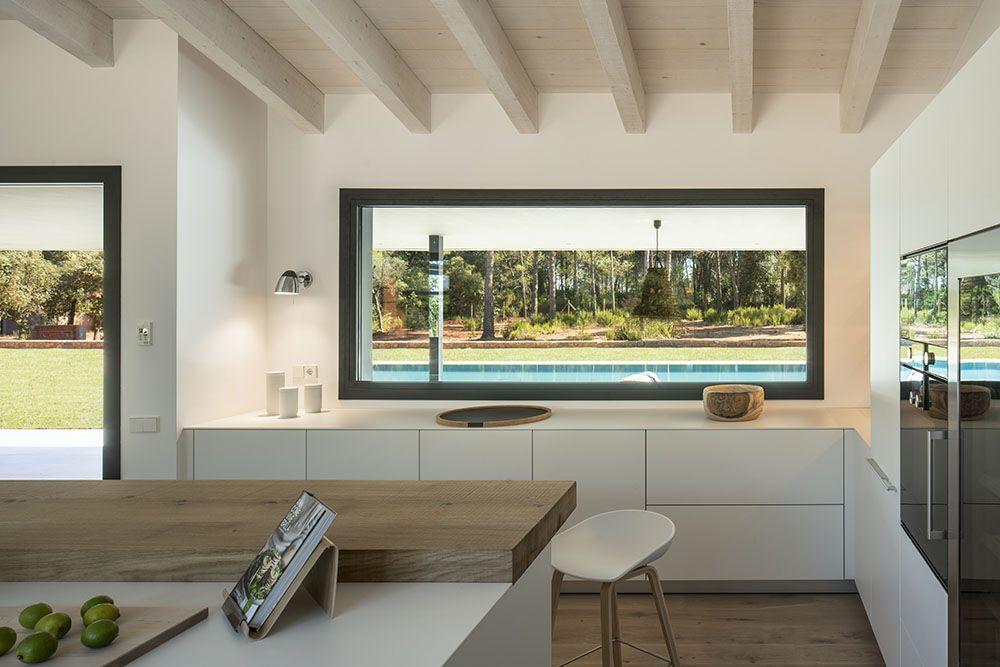 SUSANNA COTS OXYGEN SLOW DESIGN . Diseño de cocina muebles blancos y ...
