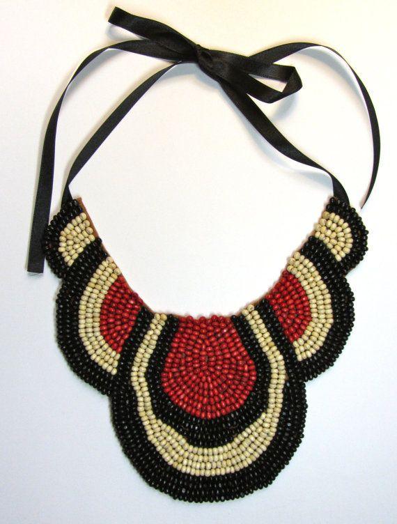 Collar babero marrón blanco negro y rojo Brown by MagiayEfecto ...