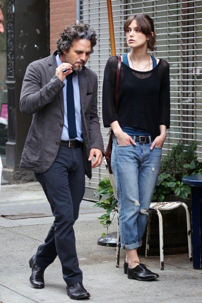 Keira Knightley Scoopneck Sweater   Boyfriend jeans, Shorts and Flats