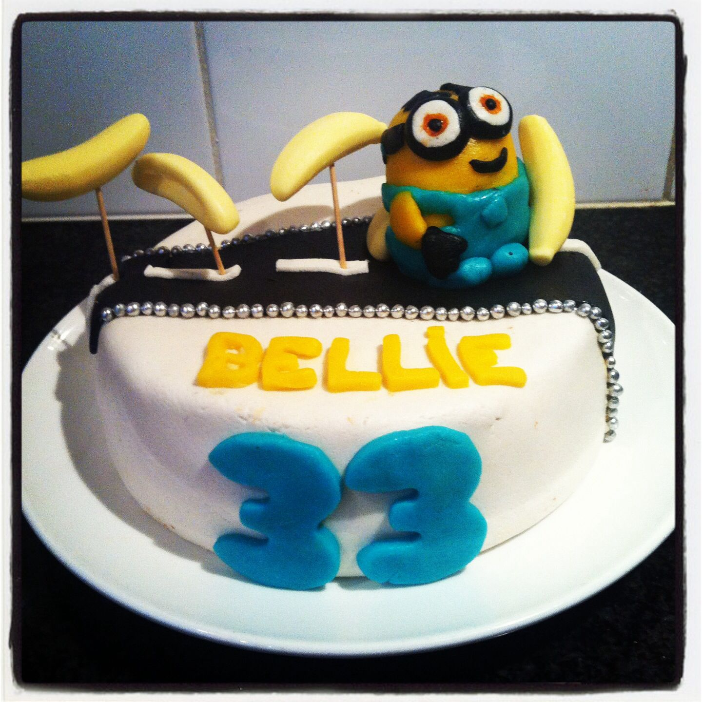 Minion rush cake banana Campbells turning 3 Pinterest