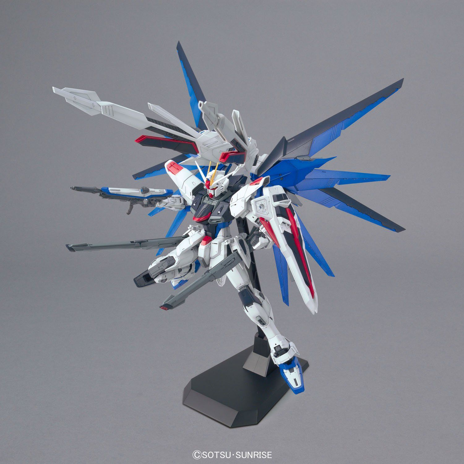 GUNDAM GUY: MG 1/100 Freedom Gundam 2.0 - New Images & Release Info