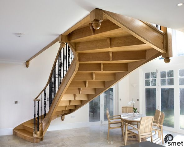 Best This Solid French Oak Staircase Is Self Supporting In The 400 x 300
