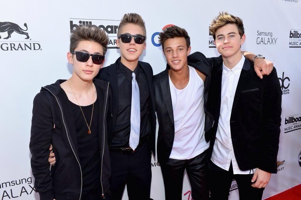 Carter, Matt, Cameron and Nash at the billboard awards 2014