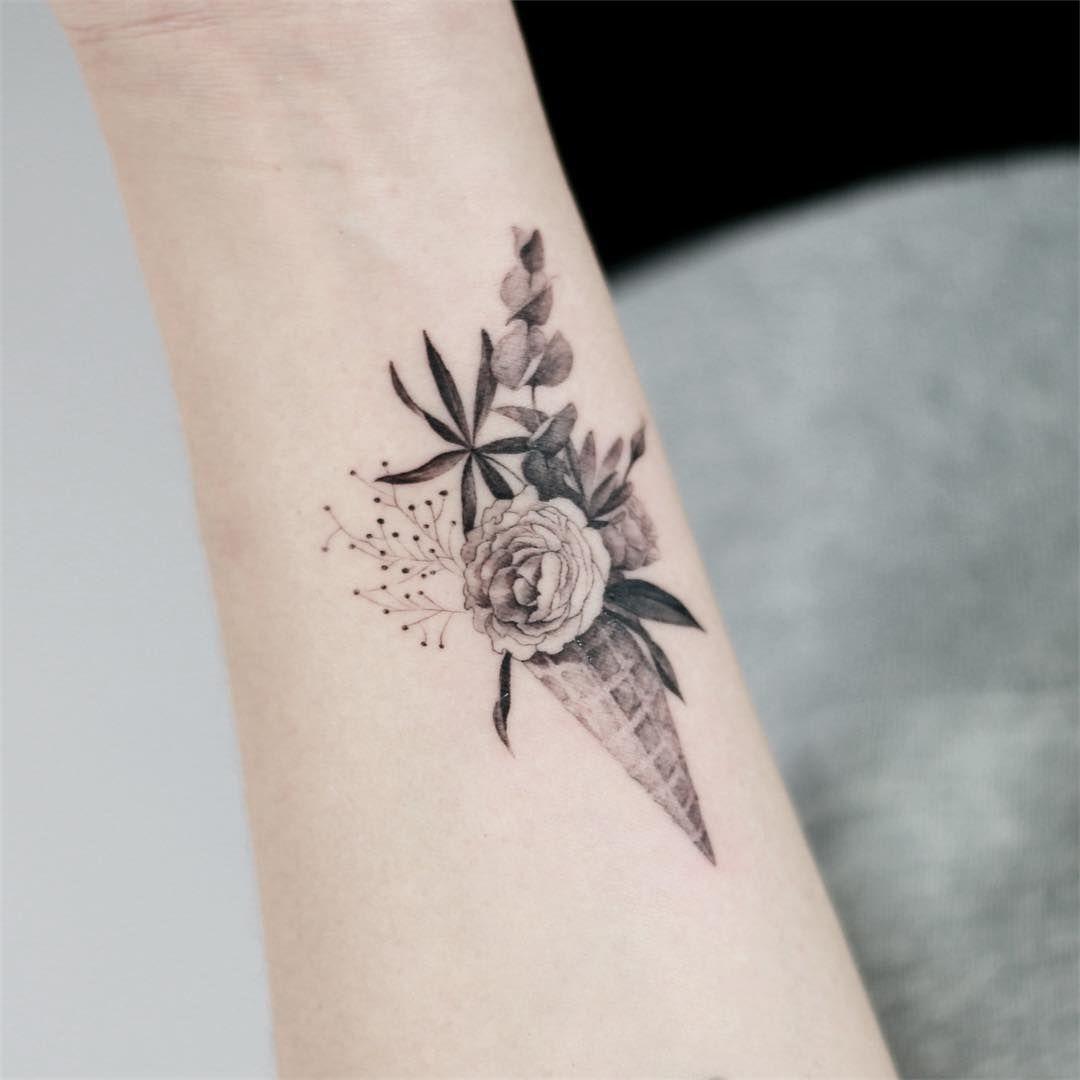 7 040 Me Gusta 18 Comentarios Tattooist Doy Tattooist Doy En Instagram Cone Flower Tattoo Tattoos Tatt Braille Tattoo Tattoos Tattoo Inspiration