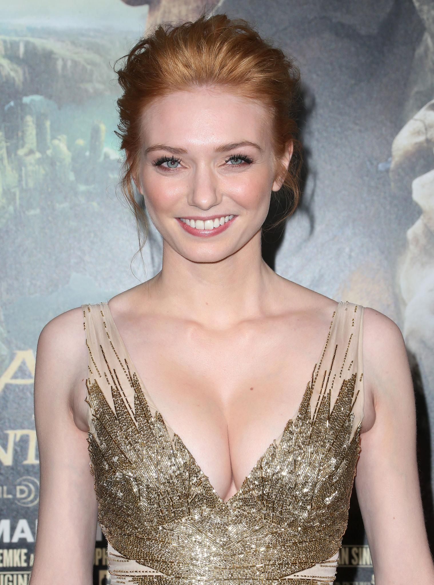 eleanor tomlinson gif hunt