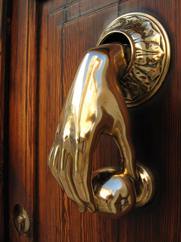 Brass Hand And Apple Door Knocker, Plaça De Lu0027Esglesia, Jávea Old Town