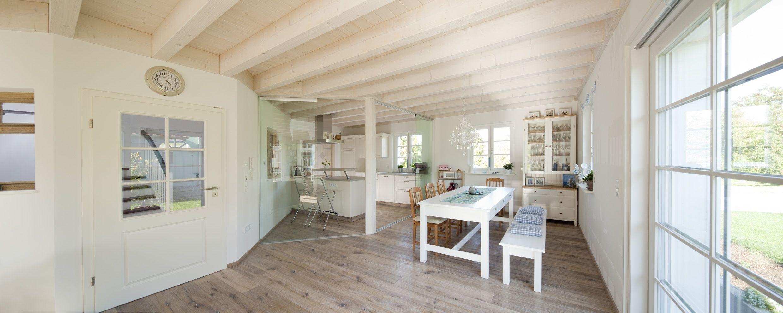 decken sichtbare holzbalkendecke ideen rund ums haus. Black Bedroom Furniture Sets. Home Design Ideas