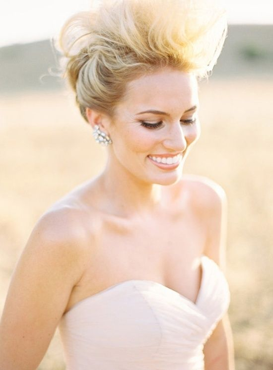 Statement Bridal Hair Ryan Ray Via Grey Likes Weddings Amy Clarke Makeup The Halcyon Agency