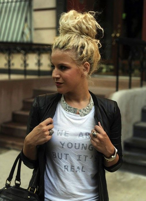 Simple And Easy Hair Updos Casual Updo Hairstyles Casual Updo And