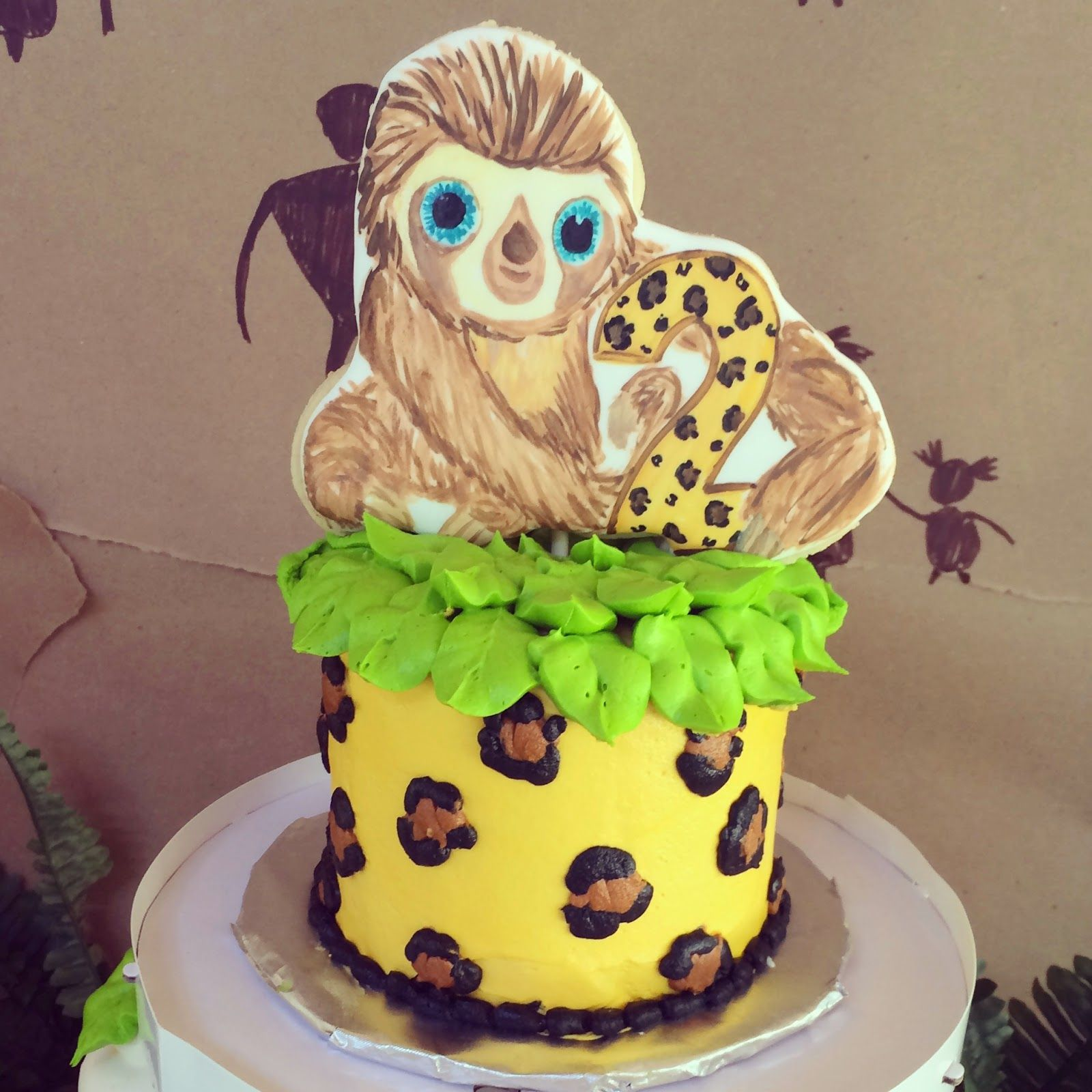 The Croods Themed Cake With Cookie Topper A Sloth Named Belt