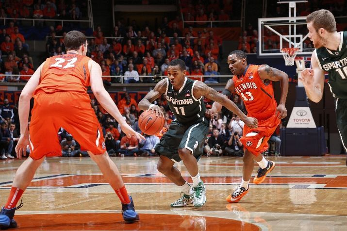 Keith Appling Handles The Ball Against Tracy Abrams 13 And Maverick Morgan 22 Of The Msu Spartans Basketball Illinois Fighting Illini Michigan State Spartans