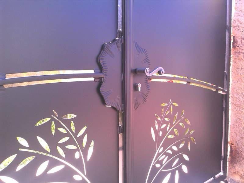 Portail tole motifs portails pergolas et garde corps for Motif en fer forge