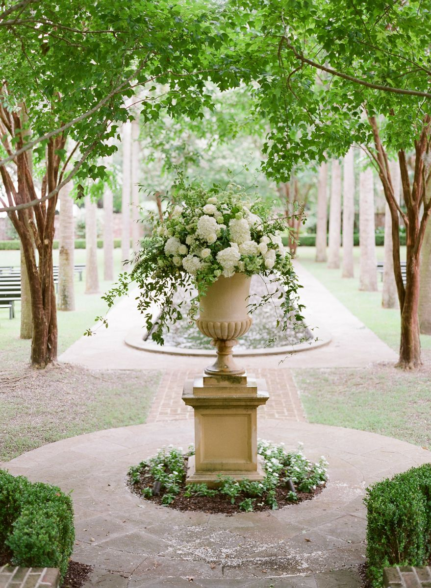 Charleston Weddings Magazine Spring 2015 Calder Clark Garden Design Spring Garden Beautiful Gardens