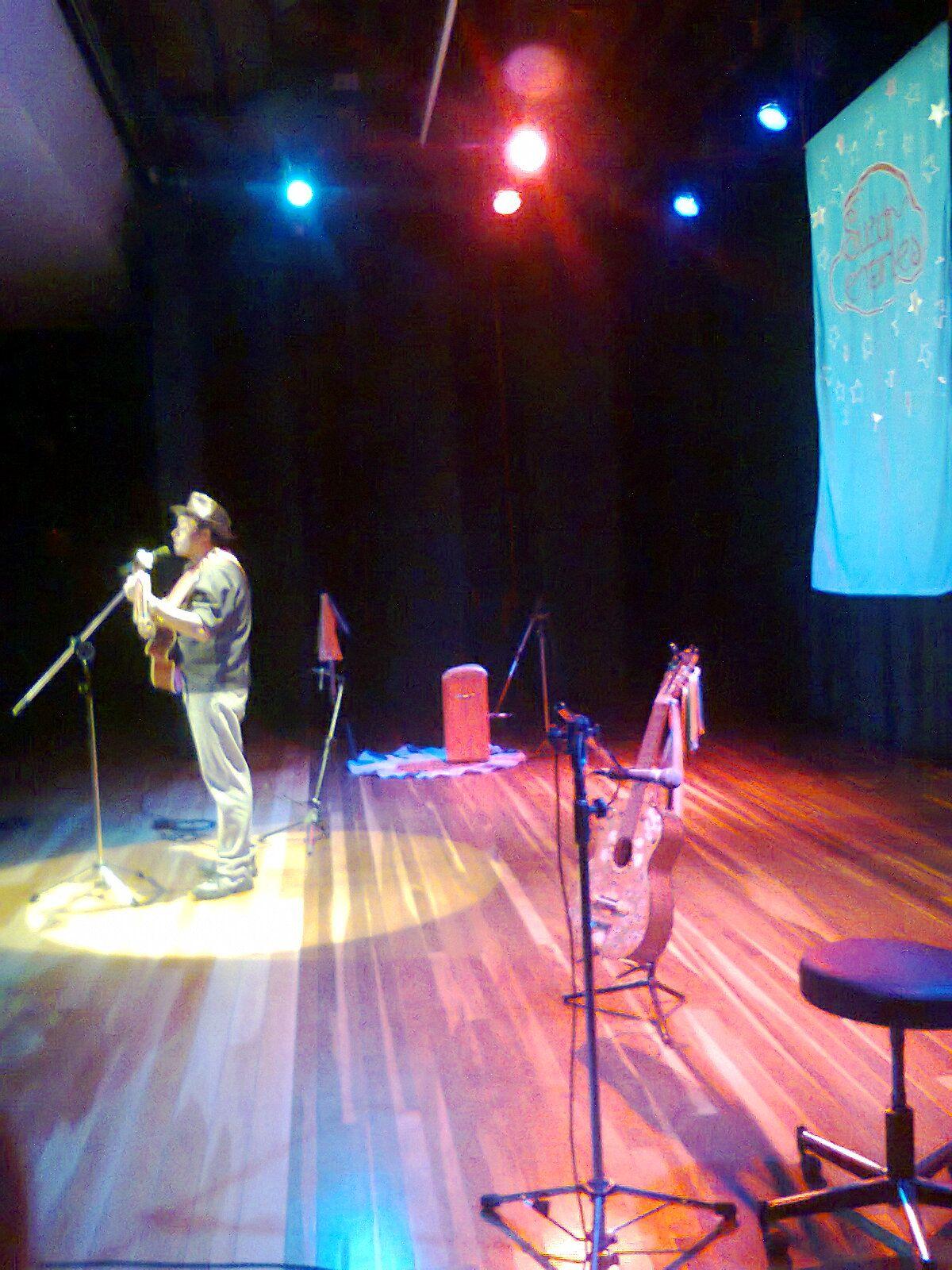 Show de Sueldo Fernandes em Cantante Romantico das Americas