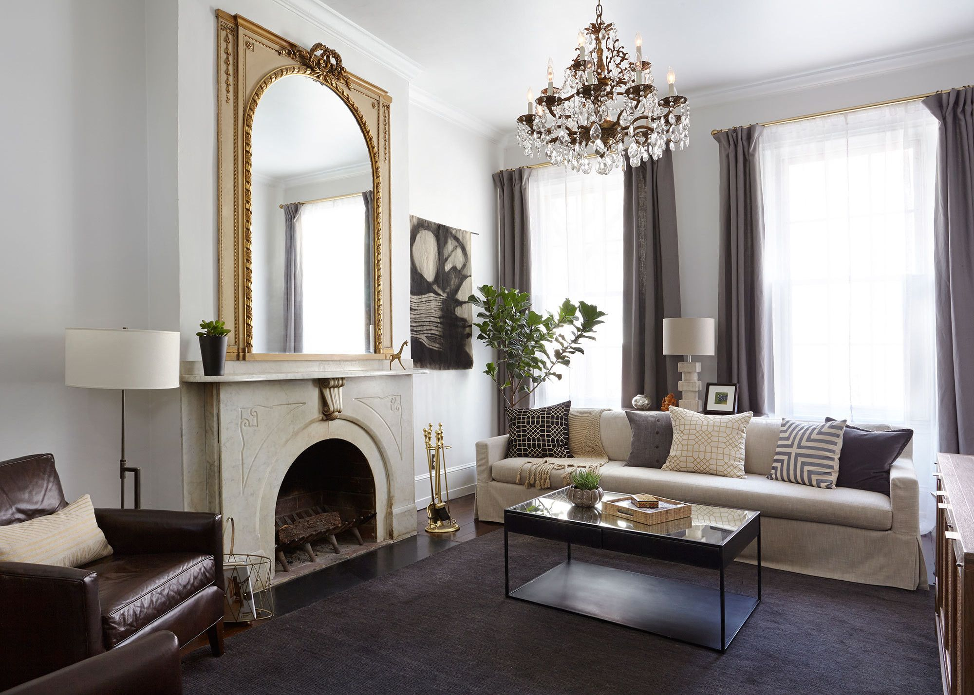 A Colonial Home With A Contemporary Twist With Images Colonial